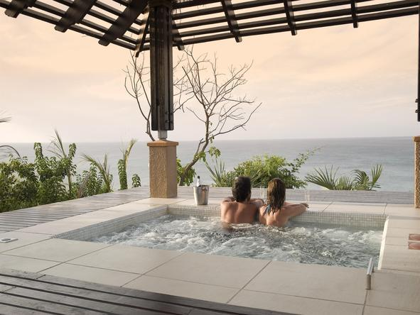 Indigo Bay Island Resort and Spa - Jacuzzi