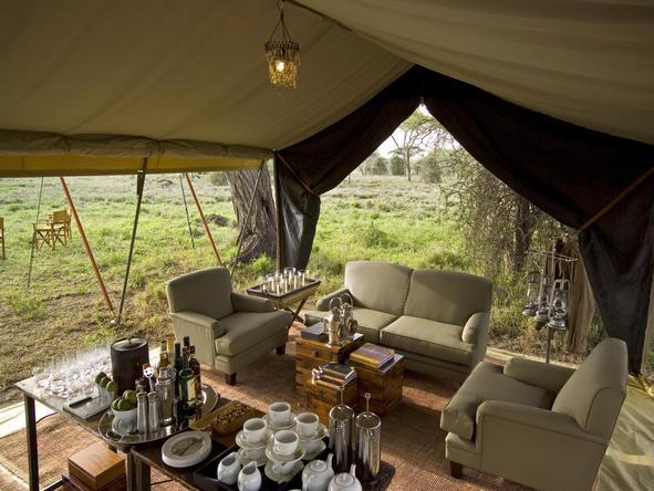 Serengeti Under Canvas -Lounge