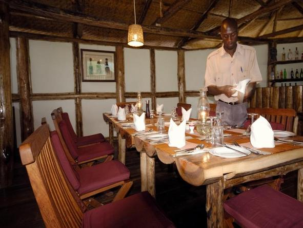 Buhoma Lodge - Restaurant