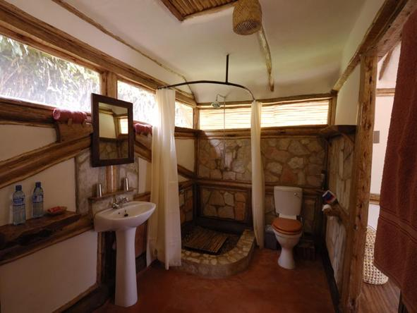 Buhoma Lodge - Bathroom2