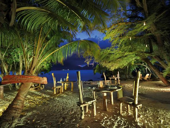 Sainte Anne Resort & Spa - beach dining