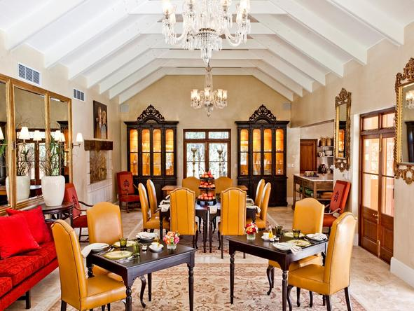 La Residence - dining room