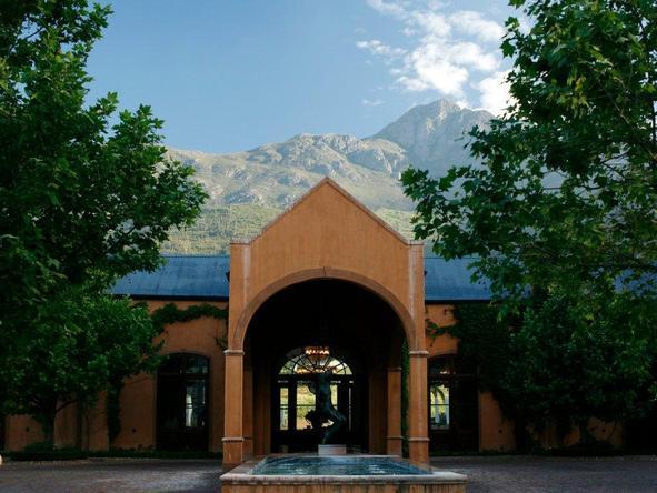 La Residence - entrance