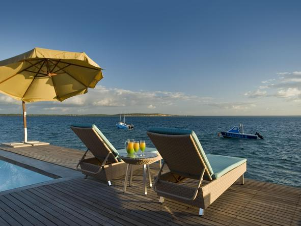 Dugong Beach Lodge - Ocean Deck