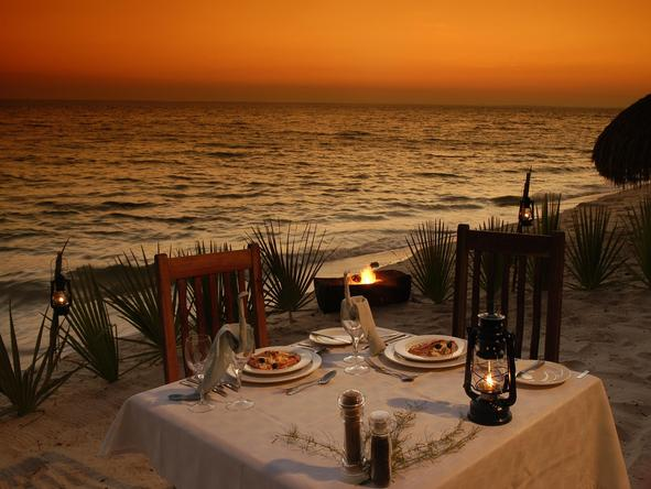 Dugong Beach Lodge - Candle Light Dinner