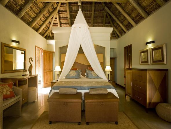 Dugong Beach Lodge - Bedroom2
