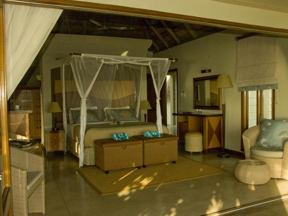 Dugong Beach Lodge - Bedroom