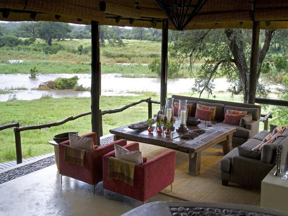 Exeter River Lodge - Lounge
