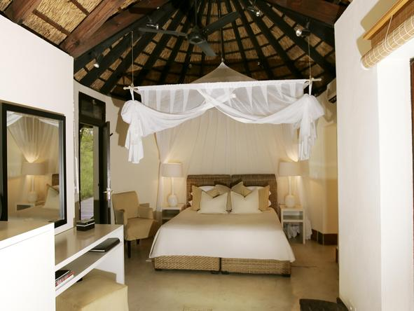Lion Sands River Lodge -Bedroom