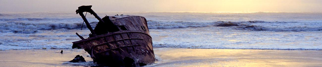 Skeleton Coast - Namibia&#39;s unforgiving Atlantic coast is littered with shipwrecks and offers the most incredible photographic opportunities.