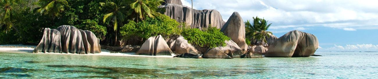 La Digue Island - one of the Seychelles' most beautiful private islands, La Digue is famous for its white-sand beaches and dramatic granite boulders.