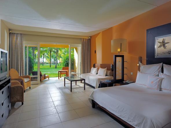 Le Victoria Hotel - bedroom