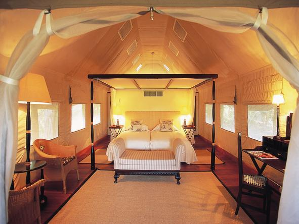 Khwai River Lodge - luxury tented chalet