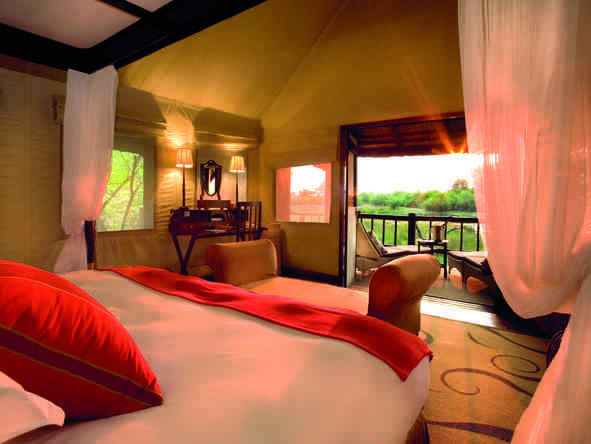 Khwai River Lodge - soak up the spectacular wilderness views