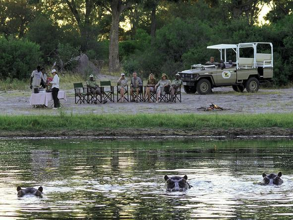 Khwai River Lodge - sundowners on the river's edge