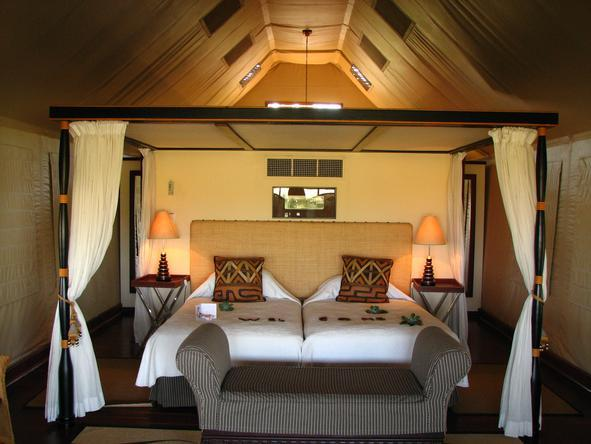 Khwai River Lodge - sumptuous luxury suite