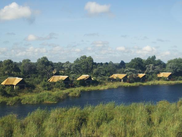 Kwando Lagoon Camp - Camp