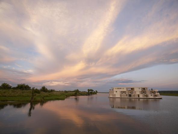 Luxury Chobe River Cruising