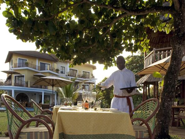 AfroChic Diani- Dining2