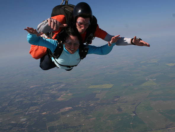 Sharlene Swart - taking to the skies with a thrilling sky-dive!