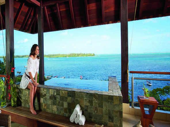 Anahita The Resort - Deck