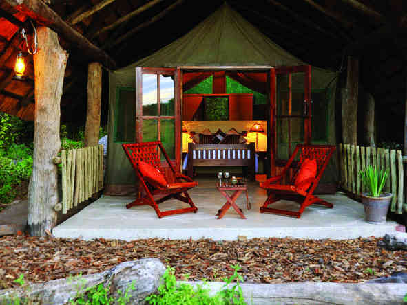 The Hide - romantic outdoor sitting areaa