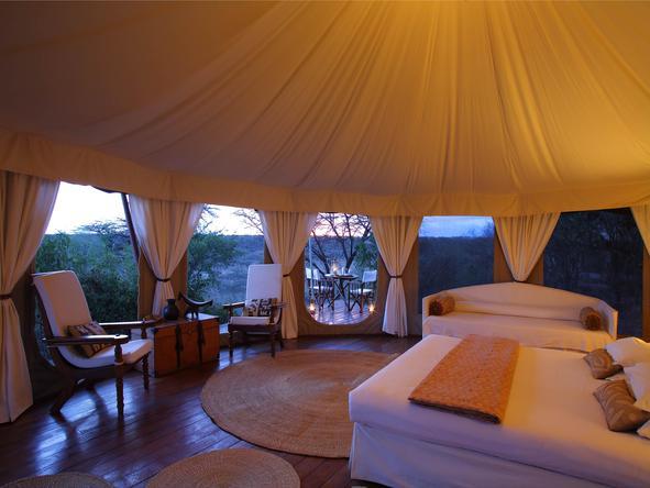Ol Seki Hemingways Mara- bedroom1