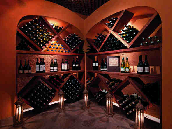 Mara Bushtops Camp - Wine cellar