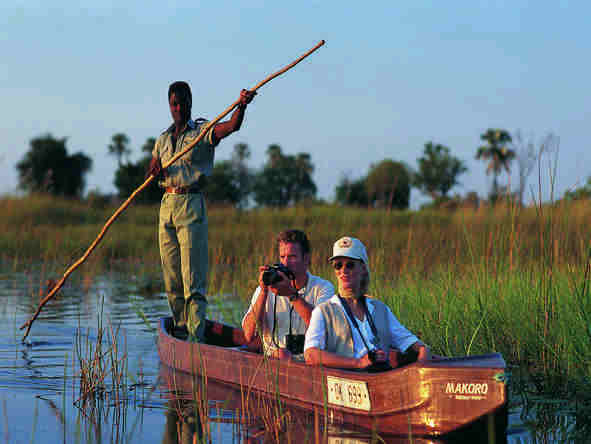 Khwai River Lodge - float the channels in a mokoro