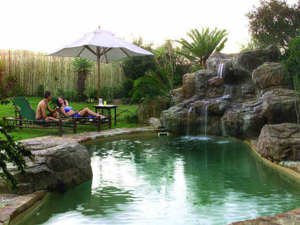 Ukhozi Lodge - pool 2