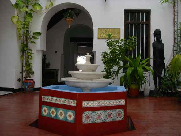 Tembo House - Fountain