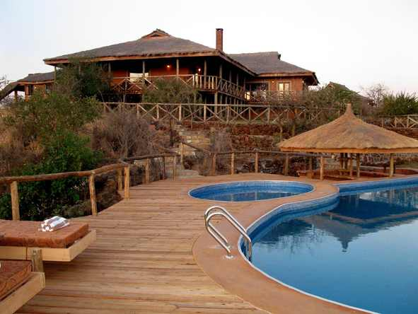 Escarpment Luxury Lodge - Pool Deck