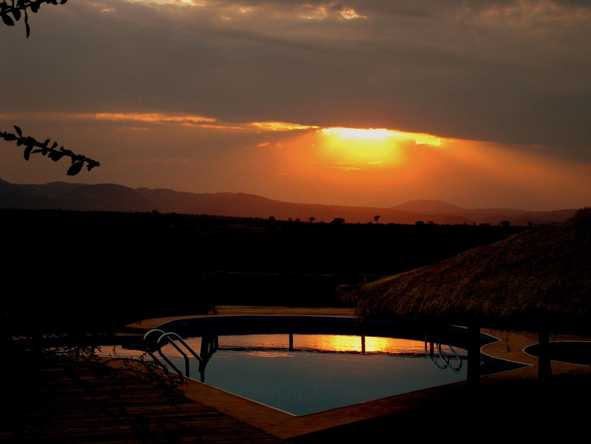 Escarpment Luxury Lodge - Sunset