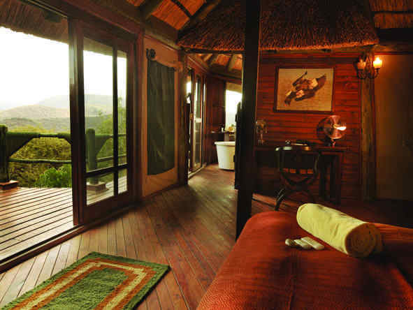 Soroi Serengeti Lodge - bedroom and balcony