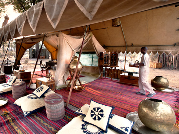 Selinda Explorers Camp - Lounge area