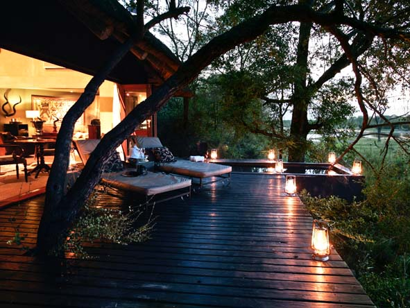 Chitwa Chitwa Game Lodge - Suite's deck