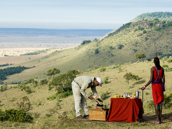 Luxury Migration, Lake & Crater Safari - Bush breakfast