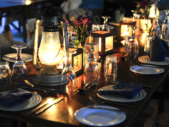 Nairobi Tented Camp - Latern-lit dinners