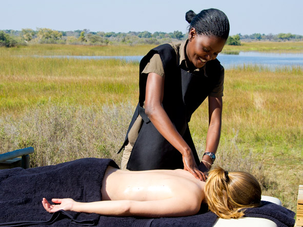 Luxury Botswana Wilderness Honeymoon - Outdoor massages