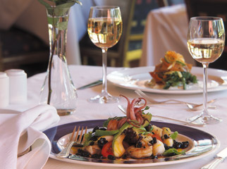 Visiting South Africa - sample some of the best cuisine & wines in the world
