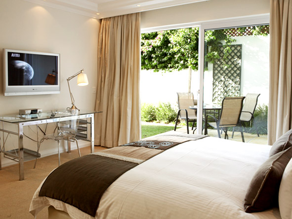 Claredon Bantry Bay - Luxurious bedrooms