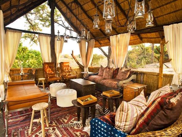Zungulila Bush Camp - Cosy lounge