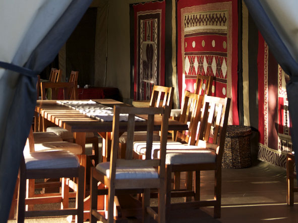Encounter Mara - Outdoor dining settings