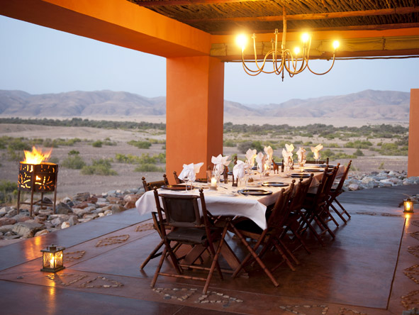 Okahirongo Elephant Lodge - Alfresco dining