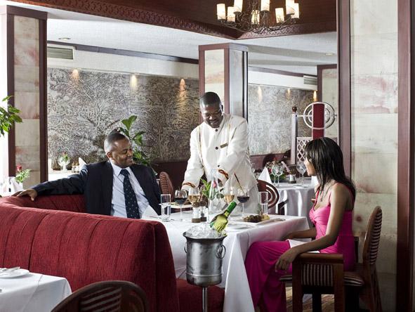 Nairobi Serena Hotel - Mandhari Restaurant