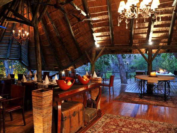 Selous Luxury Camp - Bar area