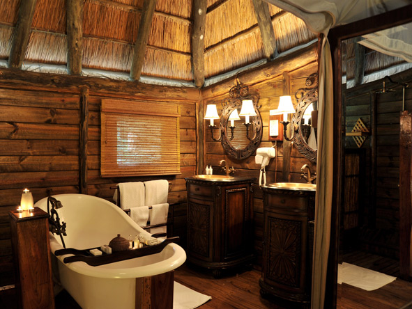 Selous Luxury Camp - En suite bathrooms