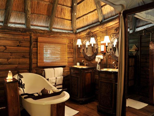 Selous Luxury Camp - En suite bathrooms