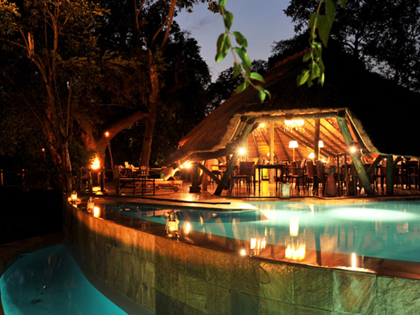 Selous Luxury Camp - Infinity pool