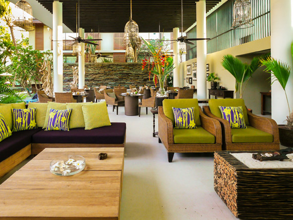 Dhevatara Beach Hotel - Lounge Bar